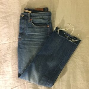 Levi's wedgie straight jeans like new!